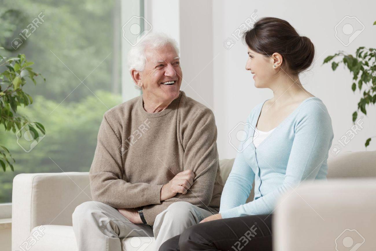 Секс старика и молоденькой, Порно Старые с молодыми -видео. Смотреть порно 4 фотография