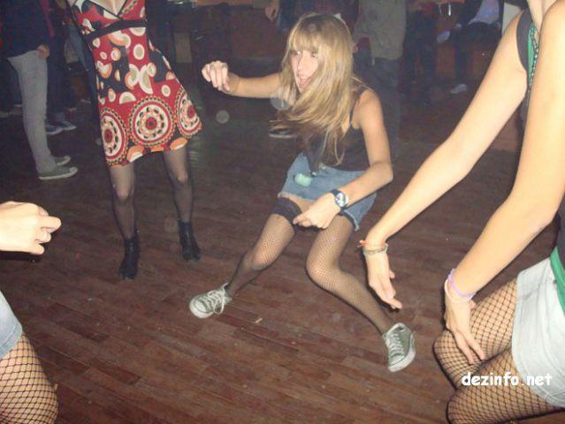 Пьяные девушки видео на дискотеке, секс с накаченной спортивной девушкой видео