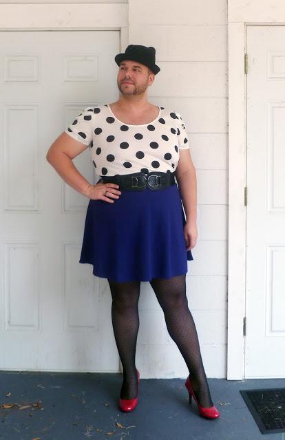 Мужчина в женской одежде картинка