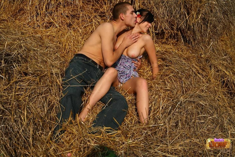 интимные отношения на природе - 12
